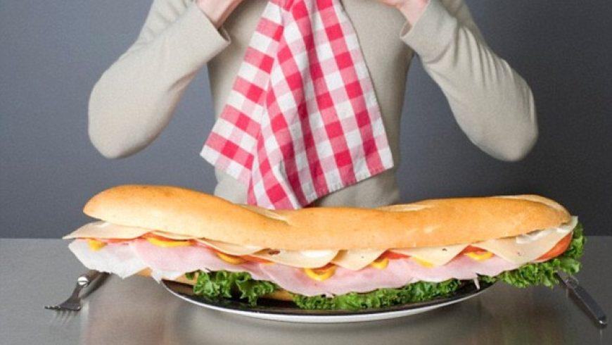 Ecco una guida utile per misurare le porzioni di cibo con le mani